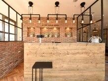 オーブ ヘアー アディ 佐賀店(AUBE HAIR adii)の雰囲気(開放感のある明るい店内で、くつろぎの時間をお過ごしください。)