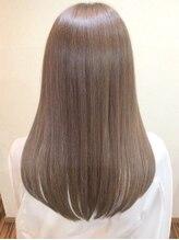 ギフト ヘアーアンドライフドレッサーズ(gift Hair&Life Dressers)
