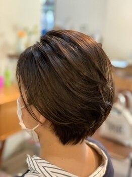 ハウスアンドヘアーワークス(House&Hair works)の写真/白髪が気になるけど…暗く染まるのはイヤ。オシャレさを大切にしたい。しっかり色味を入れたいという方に◎
