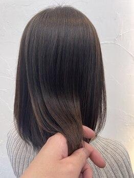 ヘア デザイン ハルプ(hair design HALB)の写真/[西宮北口]強いクセも◎女性らしい上品さ×美髪が叶う!柔らかな質感で大人上品なサラ艶ストレートに感動☆