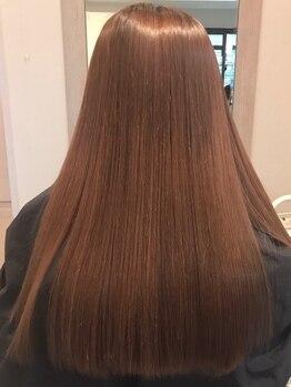 グレーヌ(Graine)の写真/周りから綺麗な髪と褒められるお客様続出中!!誰もが認める美髪ストレートに♪