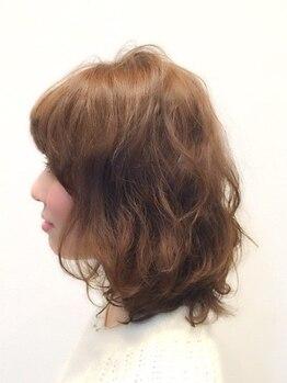 フフ 春日井店(FuFu)の写真/隠すカラーを魅せるカラーに♪お洒落も楽しみたい大人女性必見のワンランク上の白髪染め。