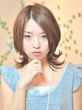 ミディアムウルフヘアアレンジ(女性髪型)甘辛ミックスネオウルフ