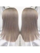 ヘアアンドビューティー クローバー(Hair&Beauty Clover)white blond