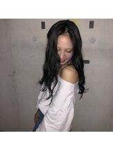 フェニーチェ 高崎(FENICE)【モテ髪】大人可愛い!ネイビーカラーとポイントカラー