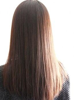 フェアリーテイル(FAIRY.TALE)の写真/艶・サラサラ質感が続く当店おすすめの縮毛矯正。ストレート特有のダメージを軽減し綺麗な状態を持続…*