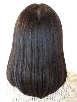 アイロン(iron)の写真/【縮毛矯正+カット¥13000(女性限定)】髪質の悩みを本当に改善したい方!縮毛矯正専門店だから満足度が高い◎