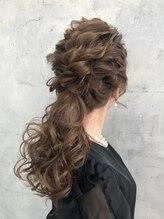 ヘアデザイン ゴドバン(Hair Design Gdobant)【Gdobant】ヘアーセット 編み込みポニーテール 波ウェーブ