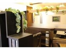 ロマネス神楽坂(ROMANES)の雰囲気(半個室風サロン。自分だけの贅沢空間でくつろぎのひと時を…)