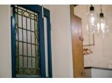 トリコ(TORIKO)の雰囲気(アンティーク家具をメインのニューヨークを意識した内装)