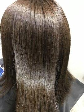 髪の毛 の 表面 が チリチリ