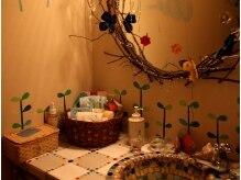 タイプレイス (Tie place)の雰囲気(まるで森の中に迷い込んだような可愛らしい洗面台♪)
