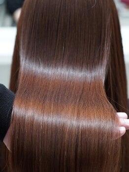 グリッター(GLITTER)の写真/極限まで健康毛に改善できる「新次元・新発想」の次世代型トリートメント使用!サロン帰りが自宅でも◎