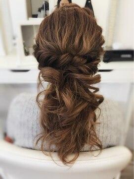 シャネルビューティー 新宿(hair make CHANEL BEAUTY)ねじり☆ハーフアップ
