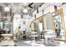 ナティ(natti)の雰囲気(陽の光が入る明るい店内☆柔らかいあたたかな空間に癒されます。)