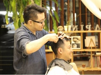 ヘア サパン(hair sapin)の写真/カジュアルすぎない清潔感のある品のいいスタイルがビジネスライクにも最適!高技術で再現性も高いスタイル