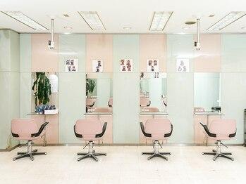 ベラ 美容室(VELLA)の写真/髪や頭皮への刺激が少ない薬剤を多くご用意!落ち着いた空間の中ホッと出来るサロンTimeを楽しんで…