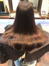 ヘアー サロン アットシュシュ(Hair Salon At'shushu)プレミアム処理剤トリートメントと縮毛矯正