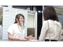 初めてのご来店のお客様、ご希望メニューは「愛しの髪・美髪ストカール」