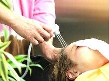 ヘアーエステ 甲の雰囲気(数十種類の栄養成分が入った還元水♪髪の内部からキレイにします)