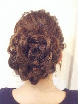 ヘアメイクサロン ヴィヴィッド(hairmake salon Vivid)お花アップ
