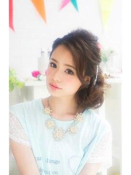 ヘアメイクサロン シャルメ(Hair Make Salon CHARMER)結婚式☆二次会☆ふんわりサイドシニヨン