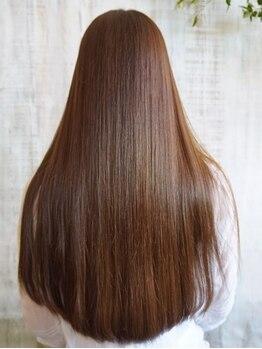 アノン(anon)の写真/【9月11日NEWOPEN】髪を限りなく傷めないアルカリ0の薬剤で、まるで地毛のような自然なストレートヘアへ!
