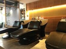 ヘアサロンダンボ(hair salon DUMBO)の雰囲気(癒しのシャンプー台はフルフラットで足先まで伸ばせます【与野】)