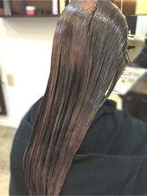 2剤でまっすぐになった髪を形状記憶させます★