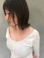 アールヘア ナチュラルアンドオーガニックサロン【ハイ透明感アプリエ☆モノクローム】外ハネミディ