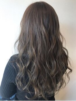 ローザシード(ROZA seed)の写真/【頭皮・髪に優しい弱酸性カラー】カラー前の「キュア」でダメージ予防☆髪をキレイに育てて理想の髪色に♪
