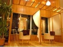 ビジングループベッラヴィータ 新浜店(BIJIN group Bella Vita)の雰囲気(カーテンで仕切ると、半個室風になるスペース♪)