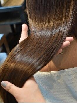 """レジーナ トリドール(REGINA Tri'or)の写真/【川口駅徒歩1分/20時迄営業】""""ハホニコTr""""で傷んだ髪を内部からしっかり補修◎まとまりの良い潤ツヤ髪に♪"""