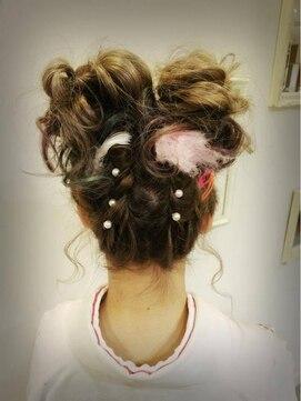 振袖髪型(成人式&結婚式) アリーズヘアー allys hair 心斎橋OPAツインお団子ヘアアレンジ