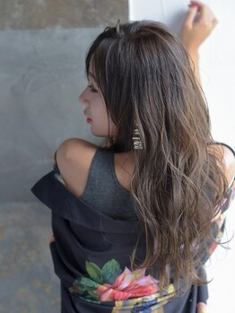 ウムラウト(Umlaut by jena frame)の写真/【伊勢市】Umlautだからこそできるヘアケアでいつまでも触っていたくなる自然な潤いのあるサラツヤの髪に♪