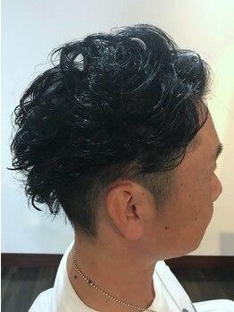 アクアスヘアーデザイン 西原店(AQUAS hair design)の写真/《お手頃な値段設定で通いやすい★》癖を活かしたメンズカットで、清潔感&オシャレ感を演出してくれる!
