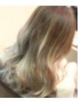 ヘアーリゾート ラヴィニール 新宿東口店(Hair Resort L´avenir)WHITE GOLDグラデーションカラー