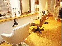 アルカ(ARCA)の雰囲気(3席のみの贅沢な空間♪ナチュラルで木のぬくもり溢れる店内)