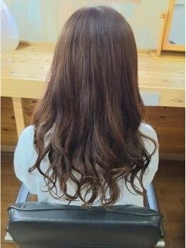 美容室 パルミエ(Palumie)の写真/《カット+オーガニックカラー¥7620》頭皮と髪に優しく、艶々の手触り&ダメージレスな仕上がりに感動◎