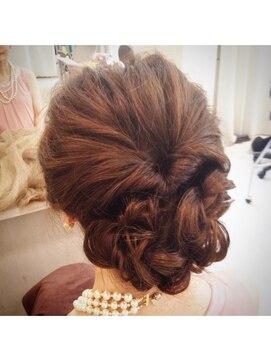 結婚式 髪型 くるりんぱ ヘアアレンジくるりんぱルーズアップ