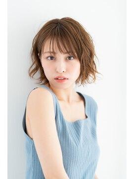 リトル ルル ウメダ(little Lulu Umeda)ランダムに揺れるフレンチホイップボブ