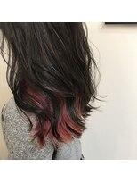 ヨロー ヘアー ルーム(Y.O.L.O hair room)秋冬にもおすすめなレッドピンクのインナーカラー☆