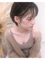 トルネード(TORNADO)外国人風ショートボブ ハイライト 前髪インナーカラーグレージュ