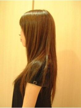 ヘアー エムアールエム(hair MRM)の写真/どこまでも指通りなめらかな『デザイン性あるストレート』自信を持ってお届けしてくれます!!