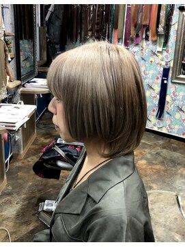 ロコマーケット 下北沢店(hair meke Deco.Tokyo)アッシュベージュカラーショート