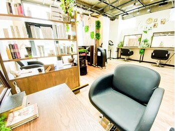 ヘアーサロン ルクス(Hair salon Lux)の写真/【駐車場完備】八乙女駅徒歩1分★マンツーマン施術のプライベートサロンだから周りを気にせずに過ごせる♪