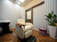 ヘア ケア アンド デザイン シャルル(hair care design shaleur)の雰囲気(個室のご用意ございます。ご希望の方はお問い合わせください。)