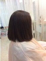ナチュラルダークブラウンの艶ツヤ白髪染めの重めロブ