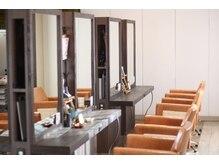 ヘアードゥ レディバグ 八木店(HAIR DO LADY BUG)の雰囲気(店内は落ち着いた雰囲気でリラックスできる空間です☆)