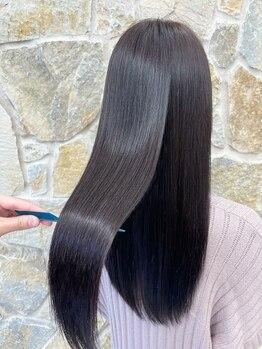 オーロ 西宮店(ORO)の写真/クセ・うねり等、あらゆる髪のお悩みに◎まっすぐ過ぎない縮毛矯正で、自然なストレートヘアを実現できる☆